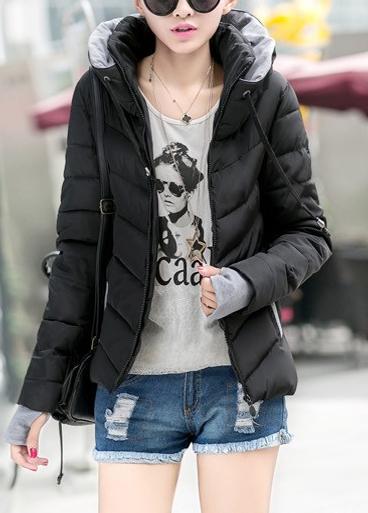 Dámská bunda s vysokým límcem a dlouhým rukávem černá