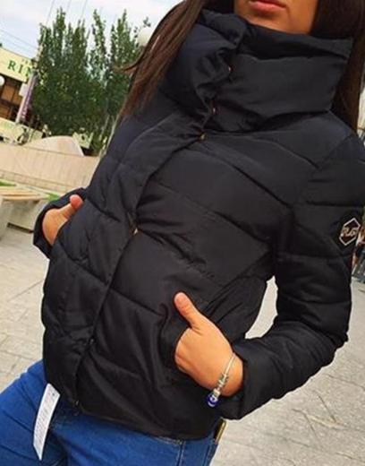 Dámská bunda s vysokým límcem černá
