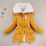 Zimní bunda s kožešinou žlutá