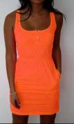 Neonové šaty pro volný čas