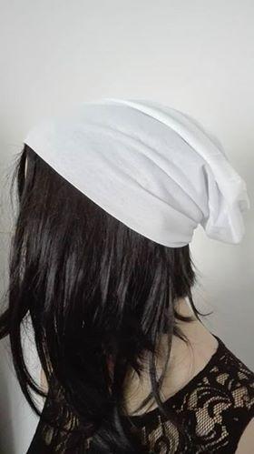 Dámská barevná spadená čepice - Bílá