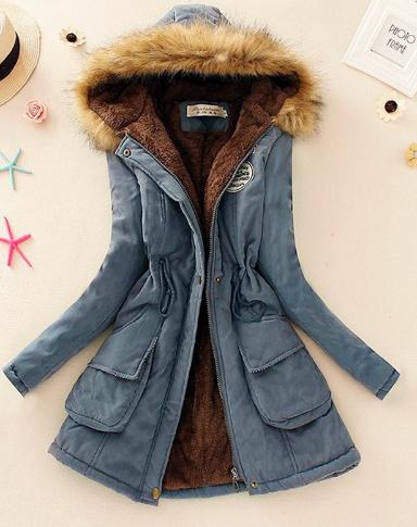 Ocelově modrý kabát  kožešinou