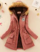Tmavě růžový kabát s kožešinou a kapucí