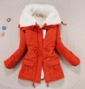 Oranžová bunda s kožíškem