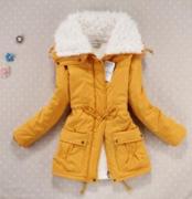 Žlutá bunda s kožíškem, zimní
