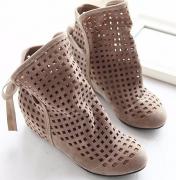 Perforované kotníkové boty s mašlí na jaro