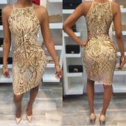 Zlaté šaty s motivem