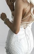 Dámské šaty s třásněmi