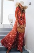 Dlouhé šaty s puntíkem