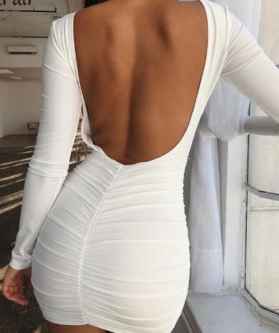 Upnuté šaty s holými zády