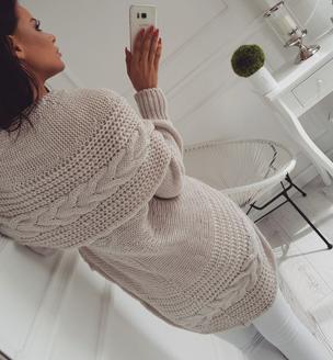 Dámské svetry s moderním límcem