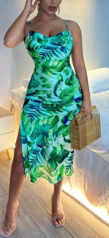 Zelené letní šaty s rozparkem