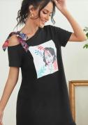 Pohodlné šaty s mašlí na rameni