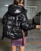 Zimní bunda s kapucí černá